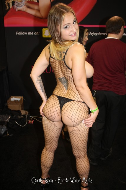 exxxotica chicago picture set of erotic world